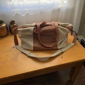 Universal Thread Overnight Bag